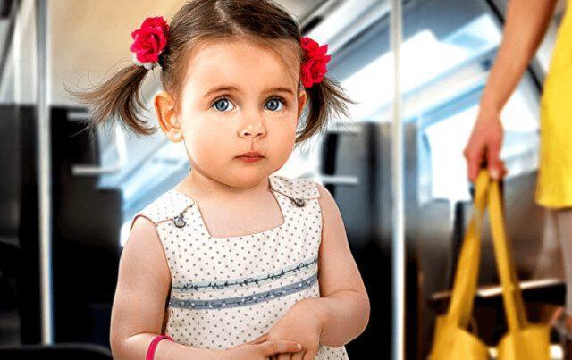 Дочь уступила бабушке место в автобусе. От слов малышки смеялся весь автобус 1