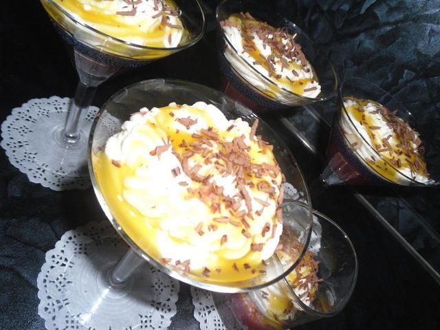 desert-iz-malinovogo-vinnogo-zhele-s-yablochnymi-chipsami-i-slivkami-malinovye-strasti-poshagovyy-recept-s-fotografiyami-1-7028180