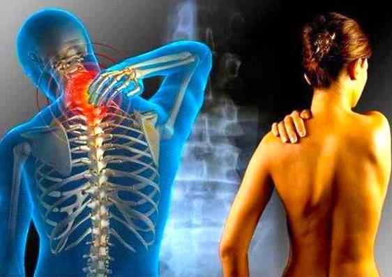 effektivnye-uprazhneniya-s-polotencem-izbavyat-vas-ot-boli-v-spine-1-4495074