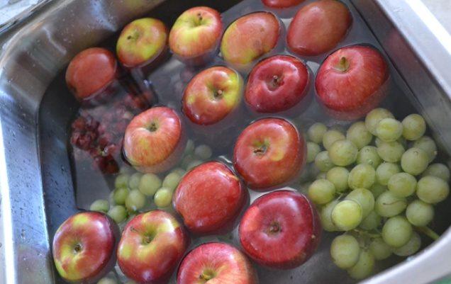 kak-ochistit-frukty-i-ovoschi-ot-opasnyh-pesticidov-etomu-tryuku-menya-nauchil-odin-fermer-1-3745341