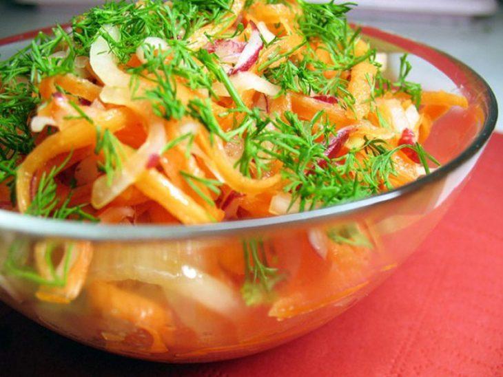 poleznyy-salat-iz-syryh-ovoschey-dlya-pohudeniya-1-7892043