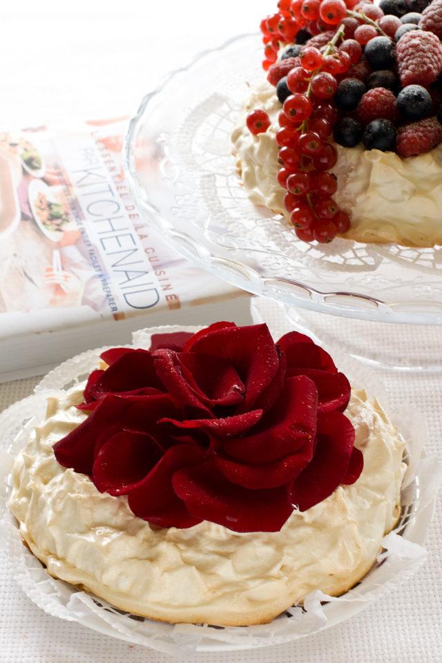 tort-pavlova-iz-knigi-l-39-essentiel-de-la-cuisine-par-kitchenaid-poshagovyy-recept-s-fotografiyami-1-9270262